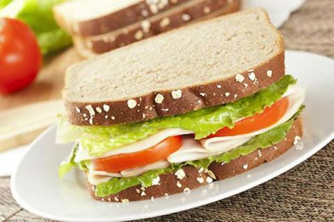 Pão-7-grãos-com-mussarela-e-tomate222