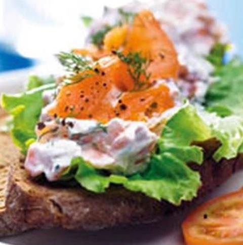 Pão-de-centeio-com-salmão222