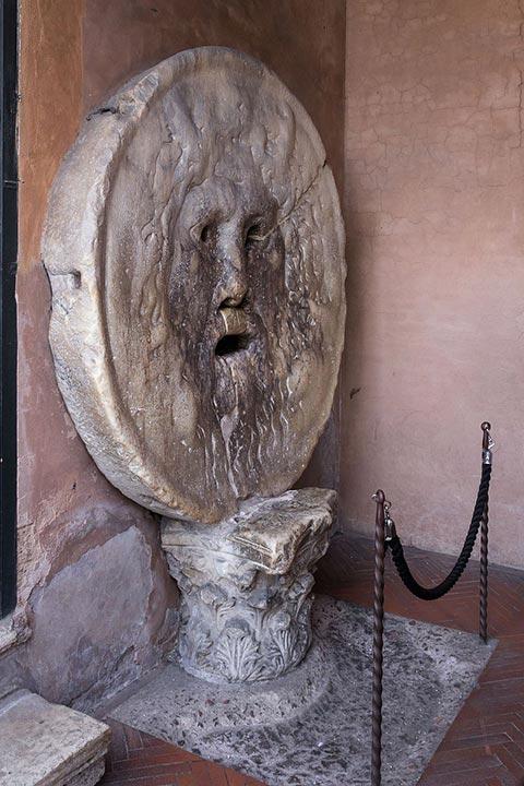 La-Bocca-della-Verità,-em-Santa-Maria-in-Cosmedin--22222