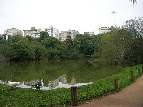 1024px-Lago_Parque_Moinhos_de_Vento