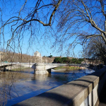 Turismo na Itália: Rio Tevere em Roma.